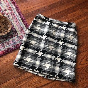 Loft black gray and white houndstooth skirt